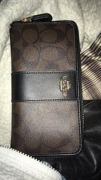 Black leather bi-fold wallet Fifty Lakes