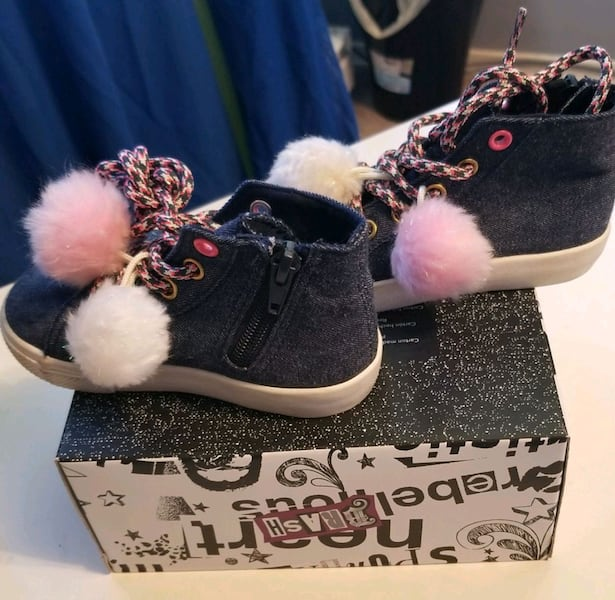 CUTE SHOES  3a7ad4a7-9725-4007-b347-aeab4fe407cb