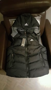 Adidas vest jacket for men  Montréal, H1R 3X5