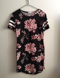 black and pink floral scoop neck dress