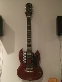 black and red electric guitar 787 km