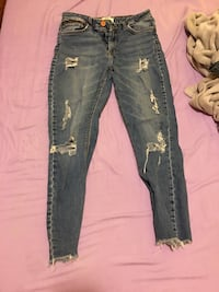 Forever 21 blue jeans with holes size 27 1306 km