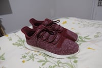 Adidas Size 8 Maroon  Vancouver, V6G 3G7