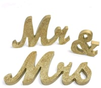For rent: Wedding sweetheart table signs Mr. Mrs. Boston