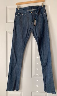 Marciano straight cut jeans. New with tags attached. Size 27.  Ajax, L1T 0K1