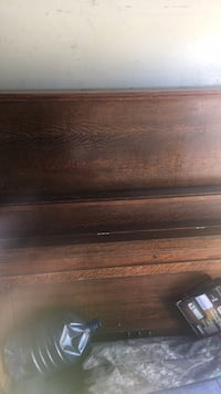 Brown wooden 2-drawer chest Oklahoma City, 73107