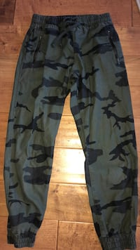 TNA Camo pants Port Coquitlam, V3C 5H1