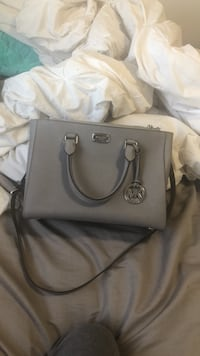 Women's gray michael kors leather tote bag Edmonton, T5Z 0A1