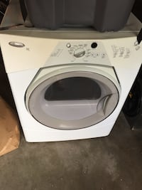 White front-load clothes washer Berwyn, 60402