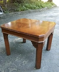 Solid wood end table Upper Darby, 19026