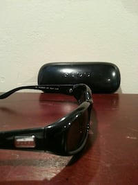 Vintage Gucci sunglasses with case