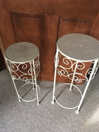 """2 vintage metal plant stands 27"""" tall and 24"""" tall Hamilton west mtn $25 for both  Hamilton, L9C 3Z5"""