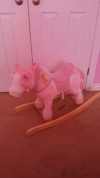Rocking Horse. Makes noise  Kitchener, N2R 0A9