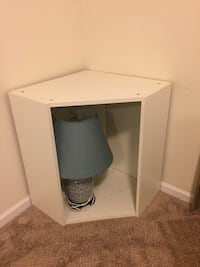 White  single pedestal desk