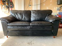 Black Leather Loveseat Barrie, L4N 0Y9