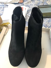 Brand new Jessica Simpson suede boots size 9