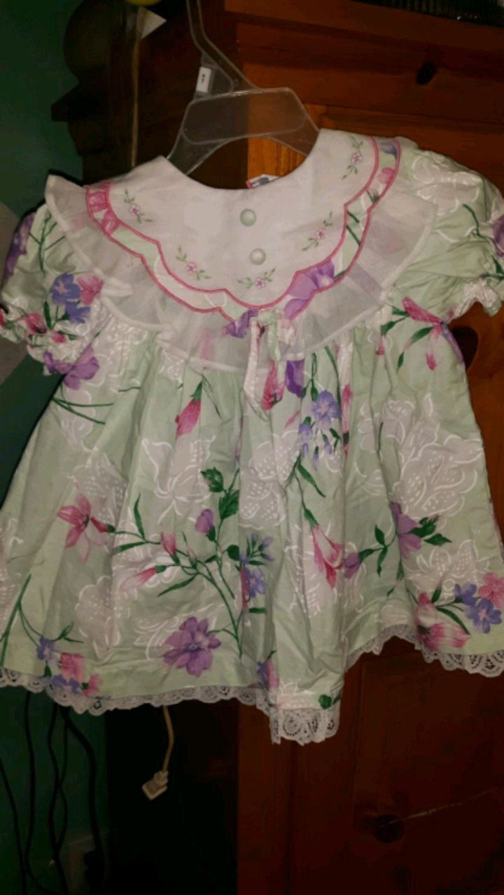 Photo LITTLE. GIRL DRESSES/OUTFITS, SIZE 2T