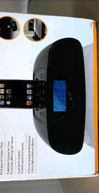 Projection Clock Radio with Dock for iPod/NIB Austin, 78728