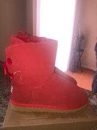 Women Red Ugg Boots With Bows Germantown, 20874