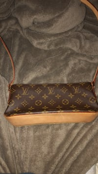 Louis Vuitton Bag Port Coquitlam, V3B 0C2