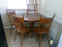 Kitchen nook table Pasco County