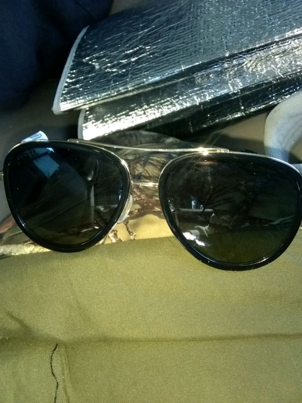 gucci glasses serial number lookup
