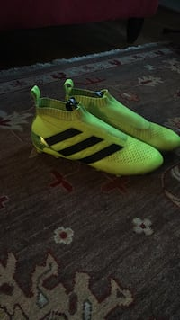 pair of green adidas cleats Silver Spring, 20910