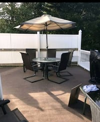 Outdoor Patio Set with Umbrella and 5 chairs