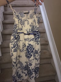Beige and blue floral sleeveless dress Niagara-on-the-Lake, L0S 1T0