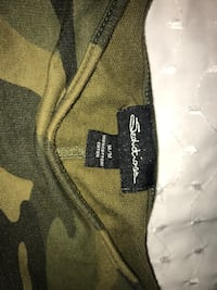 Over sized cropped camo crew neck