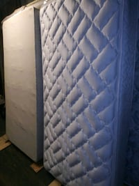 quilted blue and white floral mattress Waldorf, 20603