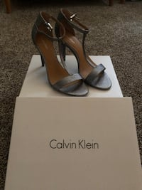 gray-and-brown Calvin Klein open-toe T-strap heeled sandals with box