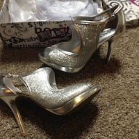 Prom / homecoming Heels, sparkly silver glitter, size 7 1/2 , worn once