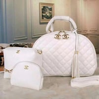 borsa in pelle Chanel bianca