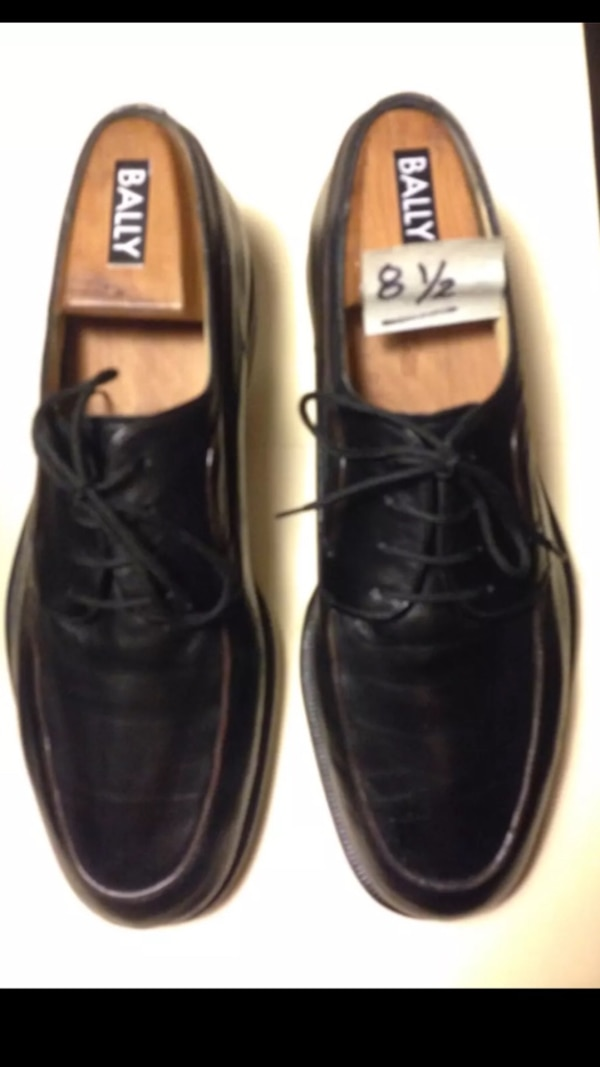 Bally Shoes Size 8 12 Wooden Shoe Trees Included