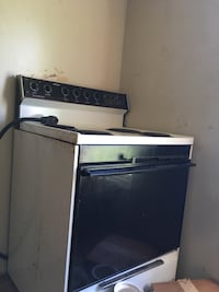 Black and white 4-coil electric range oven Thomasville, 27360