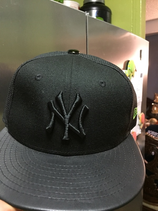 f97b1fe3d44 Used black New York Yankees cap for sale in New York - letgo