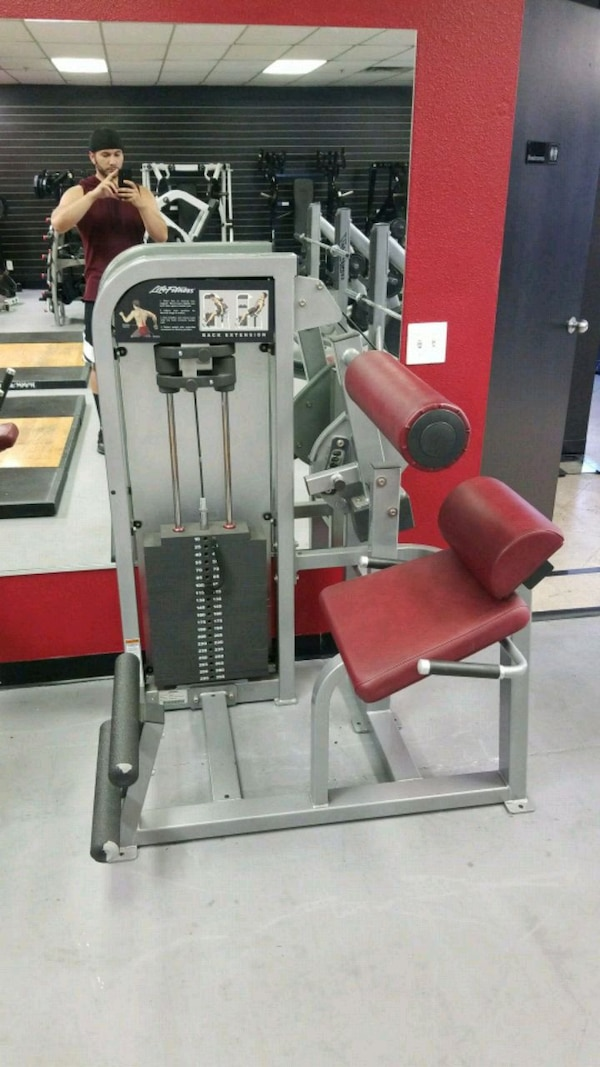 Life fitness back extension gym