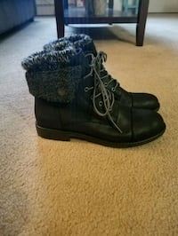 Black Fold Over Ankle Boots With Sock Trim, size 8 Hackettstown, 07840