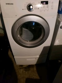 samsung dryer with pedestal use great condition 90  The Bronx, 10473