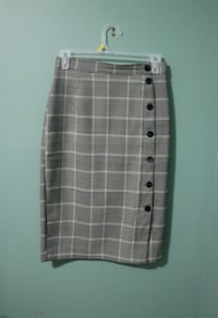 white and black plaid skirt TORONTO