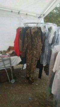 Mans new camo coveralls Thurmont, 21788