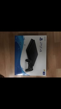 Sony PlayStation 4 New