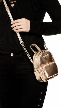 Women's gold leather bag Black Friday sale sale  Brampton, L6T 4T4