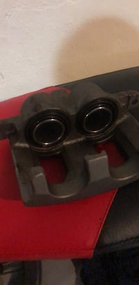 2008 Chevy impala front passenger caliper without bracket  Darby, 19023
