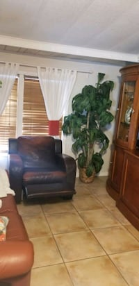 Manual leather reclining chair Miami Lakes