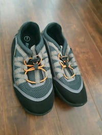 pair of gray-and-black running shoes Boisbriand, J7H 1M9