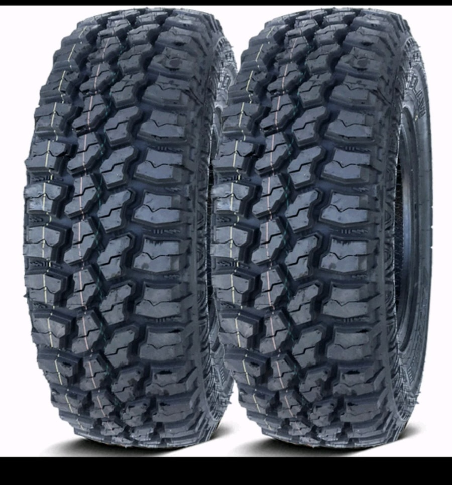 Photo Set of 4 mud claw extreme m/t 31x10.50R15