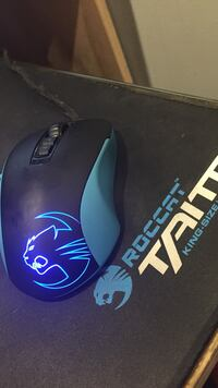 Black Roccat Kone corded gaming mouse Calgary, T2M 2H6