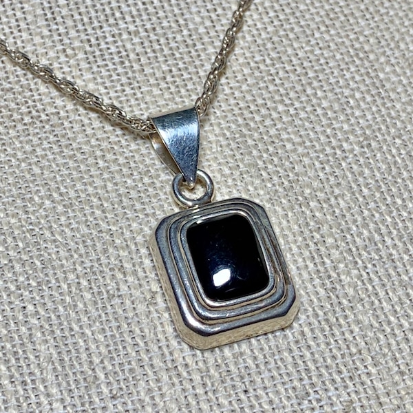 Vintage Sterling Silver Black Onyx Pendant with Sterling Rope Chain